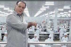 """""""O produto é bom"""", diz Tony Ramos sobre Friboi"""