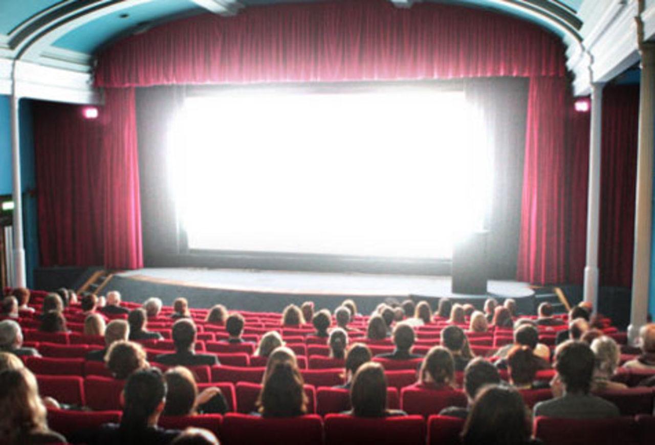 Indústria do cinema injeta R$ 19 bi no PIB