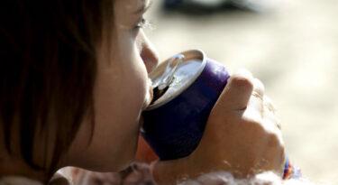 Consumo de refrigerantes no Brasil cai e China assume 3° lugar