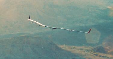 Facebook faz primeiro teste de avião com internet
