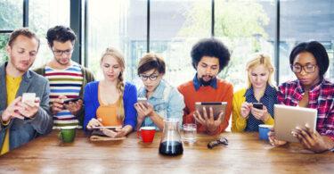Parem de pensar em Millennials