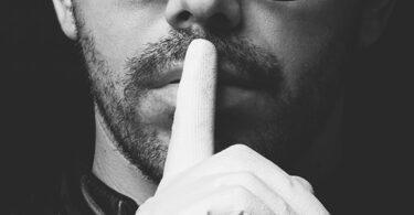 O silêncio da propaganda