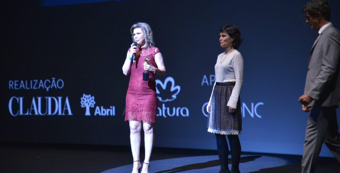 Ciência - Adriana Melo, ao lado de Ana Lúcia Villela e Eduardo Moscovis