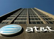 AT&T e Time Warner discutem fusão