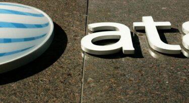 AT&T ronda empresas de mídia