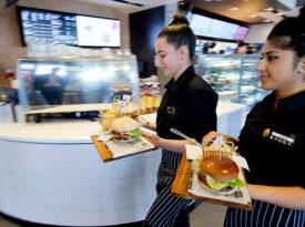 McDonald's investe em mesa de serviços