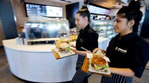 150806092454-mcdonalds-france-table-service-waitresses-780x439-768x432