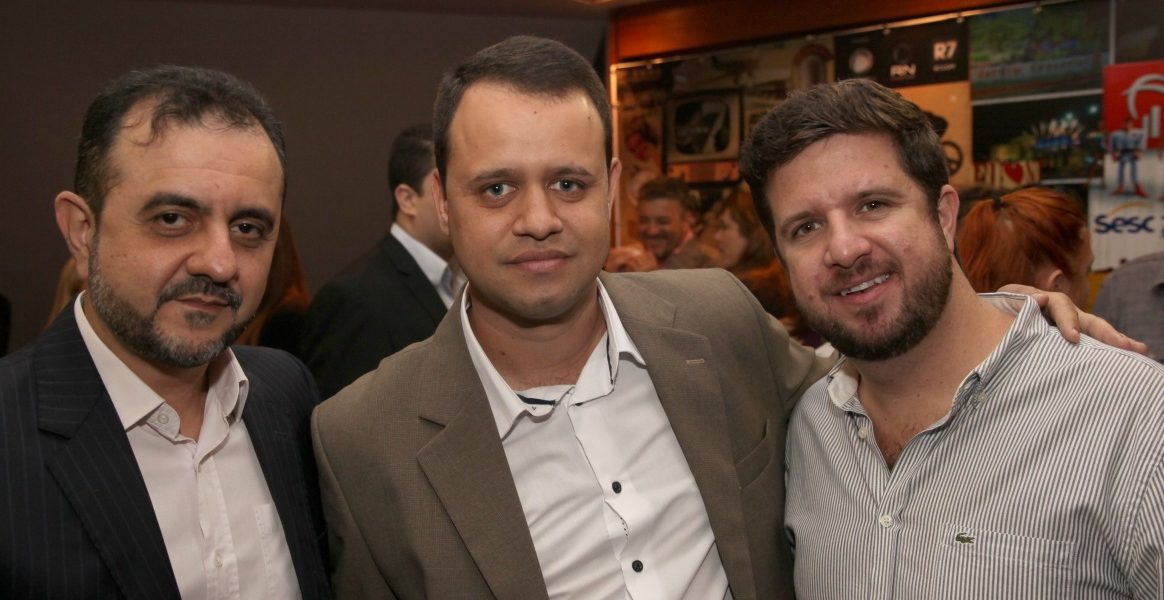 Sergio Maciel ( Reporter, Dir. Novos Negocios), Renato Alve (Gestor de Permuta) e Alvaro Moreira ( Camelia Flores, socio)