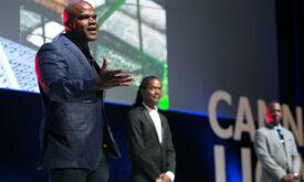 Criativos apresentam movimento contra barreiras raciais