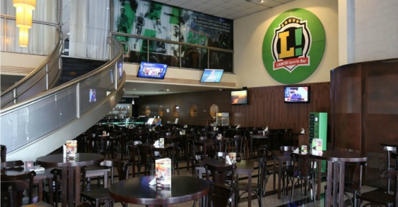 Lance assina bar no Holiday Inn Parque Anhembi