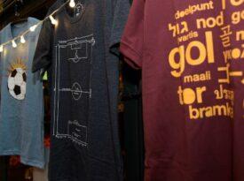 Placar e Quatro Rodas lançam linha de camisetas