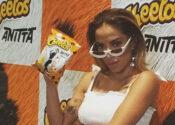 Anitta mira crianças e parceria com marcas internacionais
