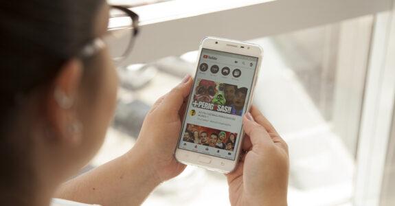 Adolescentes migram do Facebook para YouTube e Instagram