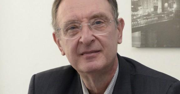 Efraim Kapulski deixa presidência da Abemd