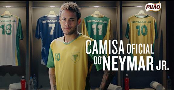 Pilão distribui camisas de Neymar Jr em ação