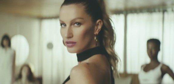 Em filme, Gisele Bündchen diz que não precisa de maquiagem