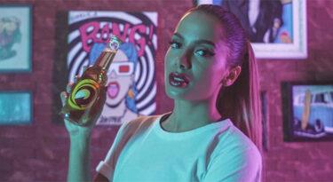 Anitta atinge maioridade comercial e entra no time de Skol