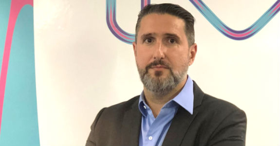 Merck contrata Julio Avella
