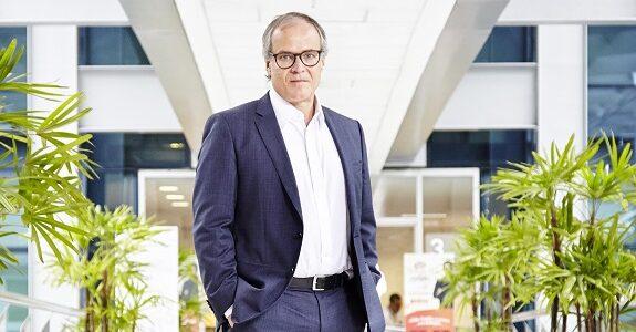 José Vicente Marino assume vice-presidência da Avon