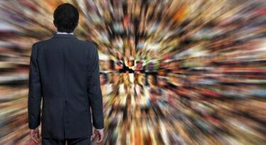 Nielsen: adultos nos EUA ficam já metade do seu tempo consumindo mídia!