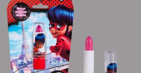 Gloob cria maquiagem infantil da Ladybug