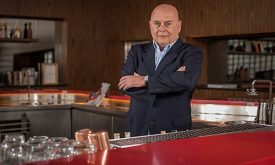 José Victor Oliva deixa comando da Holding Clube