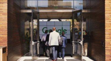 Google planeja abrir loja física em NY. Demorô.