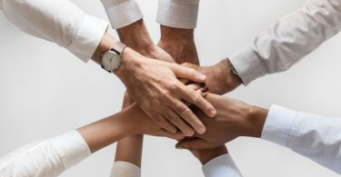 Como as marcas podem gerar confiança no seu público?