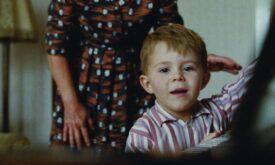 Primeiro piano de Elton John no filme de Natal da John Lewis