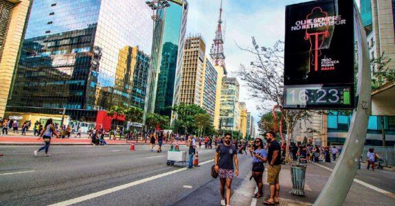 Também digital, meio ganha força e relevância no Brasil