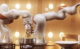 """Robôs e humanos tentam preparar o """"Nissin Lámen Perfeito"""""""