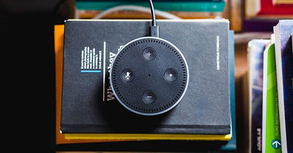 Amazon inicia teste de publicidade em dispositivos de voz