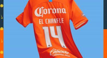 Time mexicano de futebol homenageia ator de Chaves