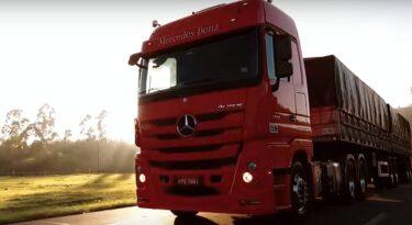 Moma conquista digital de Mercedes-Benz Caminhões e Mizuno