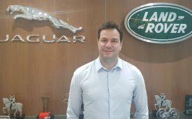Jaguar Land Rover apresenta profissional de relações públicas