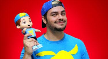 Luccas Neto ganha versão em boneco