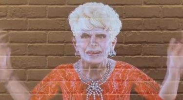 Dercy Gonçalves ressurge em holograma para promover Popeyes
