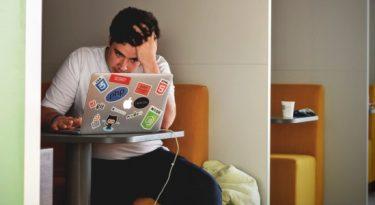Dos jovens, 64% estão dando uma pausa nas redes sociais