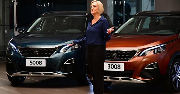 Por que a CEO da Peugeot foi para a frente das câmeras