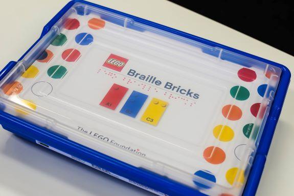 Lançamento dos blocos de montar em braille está previsto para 2020. Foto: Divulgação.