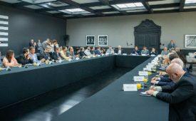 Governo de SP anuncia crédito para modernização de rádios