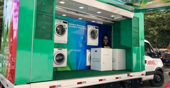 Ariel investe em lavanderia itinerante