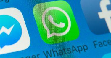 Brasileiro se informa pelo Facebook e WhatsApp