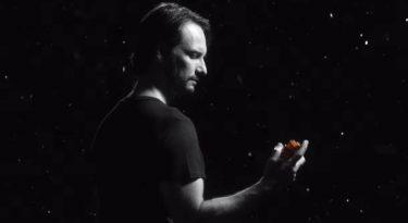 Rodrigo Santoro compõe personagem para novo produto do Boticário