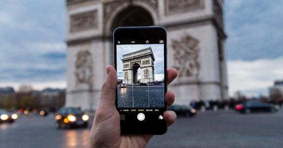 Impressões de Paris, pelo Grupo de Mídia