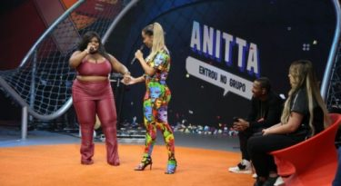 Multishow une TV e YouTube em programa da Anitta