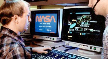 """Internet chega aos 30 anos com desafio de  ser muito mais do que a """"Terra dos Gigantes"""""""