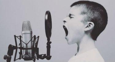 Eu escuto vozes