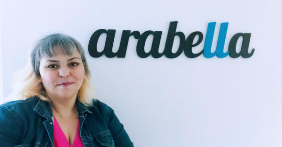Arabella indica community manager sênior
