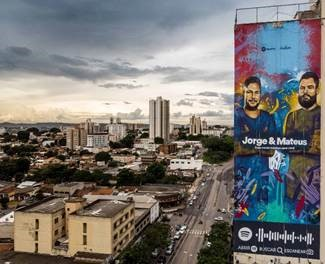 Instagrafite fala a língua da ruas para as marcas e personalidades